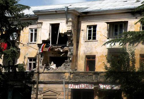 РФ возобновляет финансирование строительных работ в Южной Осетии