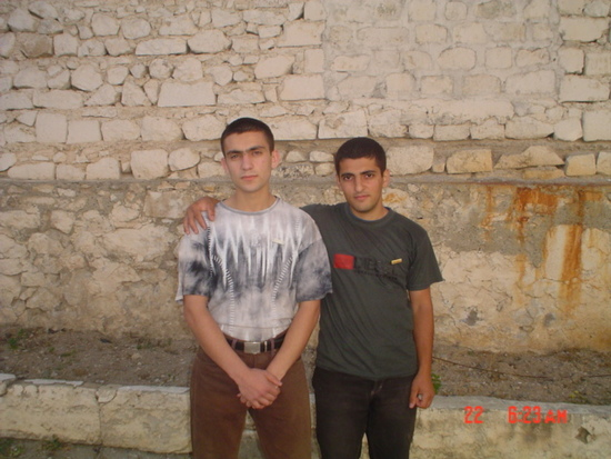 Гагик Мирзоян (баптист), на фото слева и Арег Аванесян (Св. Еговы, на фото справа) отбывают наказание в Шушинской тюрьме. 2006 год.