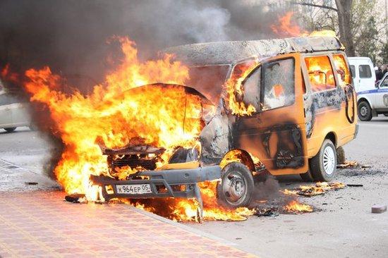 Сегодня утром в Махачкале на улице Ярагского, возле Педагогического университета, в маршрутном такси произошло...