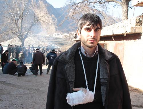 Житель селения Гимры Шамиль Эльдаров, пострадавший от действий полиции. Дагестан, Унцукульский район, 14 января 2012 г. Фото Ахмеда Магомедова для