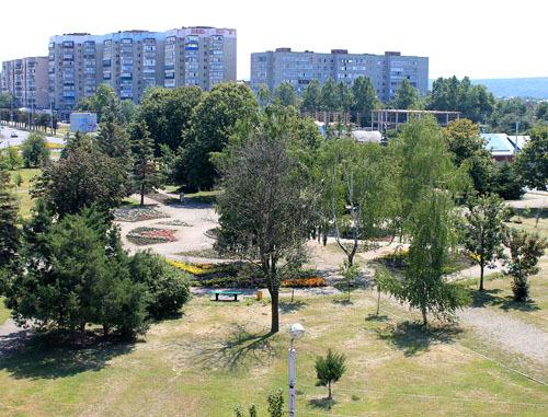 "Сквер в микрорайоне ""Черемушки"". Майкоп Фото http://sotsprof01.ru/"