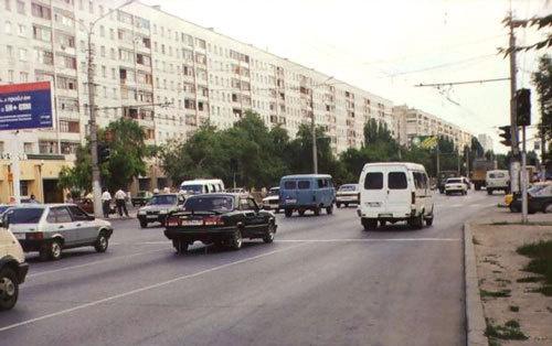 Волгоград, улица Николая Отрады, Тракторозаводский район. Фото с сайта http://ru.wikipedia.org