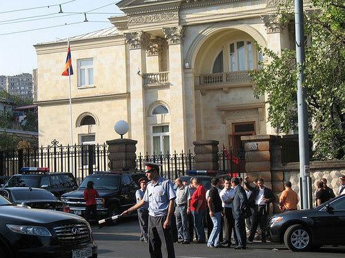 Армения, Ереван, президентский дворец. Фото с сайта www.flickr.com/photos/56272867@N00