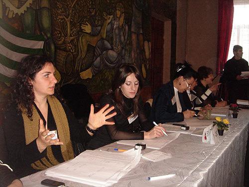 """Члены участковой избирательной комиссии. Сухум, 12 декабря 2009 года. Фото """"Кавказского Узла"""""""