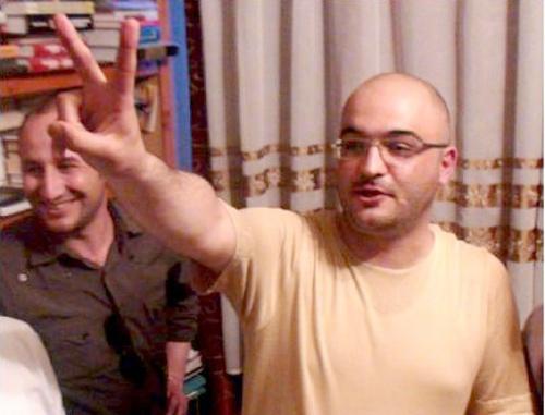 """Эйнулла Фатуллаев сразу после освобождения. 26 мая 2011 г. Фото: Информационное агентство """"Туран"""""""