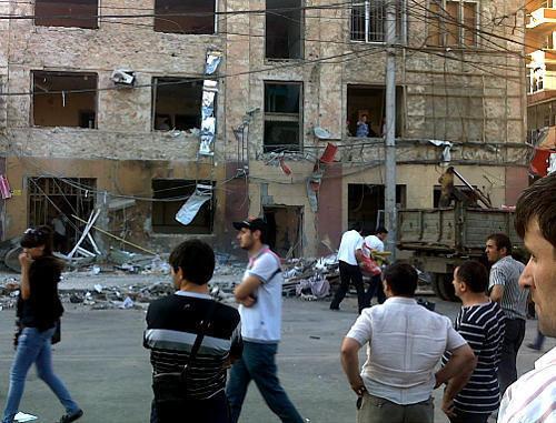 Махачкала, 22 сентября 2011 г. Последствия двойного теракта на перекрестке улиц Дахадаева и Ермошкина. Фото: Правозащитный центр «Мемориал», www.memo.ru