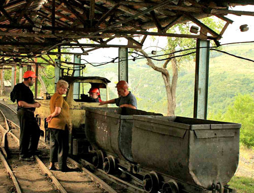 Шахтеры в Чиатуре. Фото: Aleksey Muhranoff, http://commons.wikimedia.org