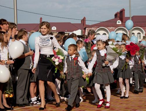 """Ставрополь, 1 сентября 2011 г. Первый звонок в школе №39. Фото: блог 2 """"Б"""" класса, http://www.39shkola.ru/blogs/2b-klass"""