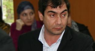 Хаджимурад Камалов на встрече со студентами отделения журналистики Дагестанского государственного университета. Фото Магомеда Курбанова, http://flyfox05.livejournal.com/100135.html