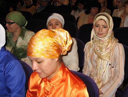 Мусульманки в традиционной одежде. Фото: http://ansar.ru