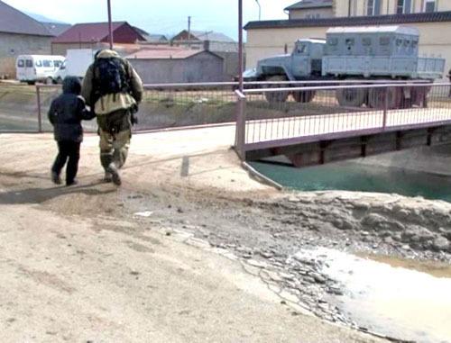 Спецоперация в поселке Семендер в Махачкале. 20 марта 2013 г. Фото http://nak.fsb.ru/