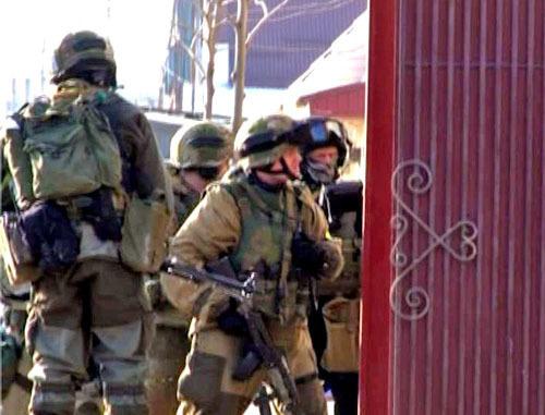 Спецоперация в пригороде Махачкалы поселке Семендере. 21 марта 2013 г. Фото http://www.nak.fsb.ru/