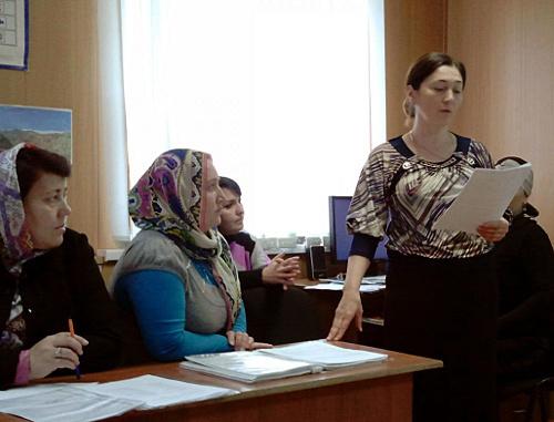 Школьные учителя на семинаре. Дагестан, Буйнакск. Фото: http://buynaksk11.dagschool.com