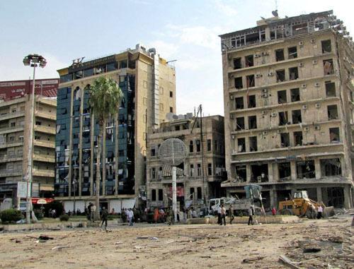 Площадь Саадуллах аль-Джабири после взрывов 3 октября 2012. Сирия, Алеппо. Фото: Zyzzzzzy, http://ru.wikipedia.org/