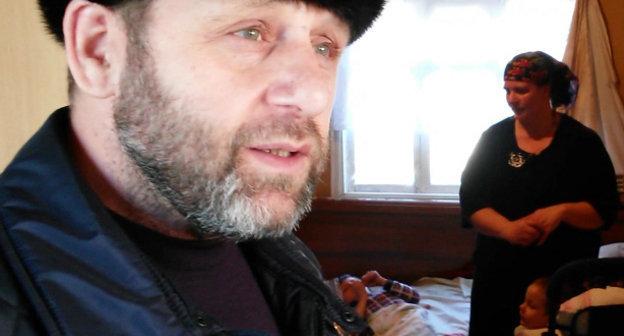 Хамзат Чумаков. Декабрь 2013 г. Кадр из видеообращения об оказании помощи нуждающимся, http://ingislam.ru