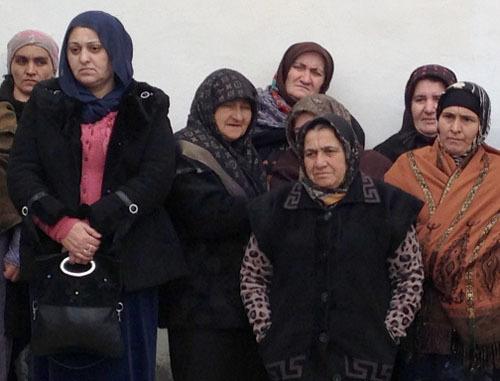 Жители Унцукульского района во время собрания в селе Ирганай. Дагестан, 5 марта 2014 г. Фото Патимат Махмудовой для «Кавказского узла»