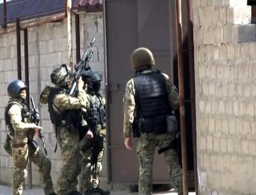 Махачкала, 15 апреля 2014 г. Спецоперация в поселке Степном. Фото: http://05.mvd.ru/news/item/2143077