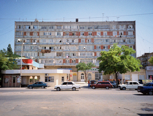 Улица в Дербенте. Фото: Bolshakov, http://commons.wikimedia.org,  Creative Commons Attribution 2.0 Generic