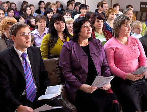Собрание Свидетелей Иеговы в Таганроге. Кадр: видео, предоставленное обвиняемыми «Свидетелями Иеговы»