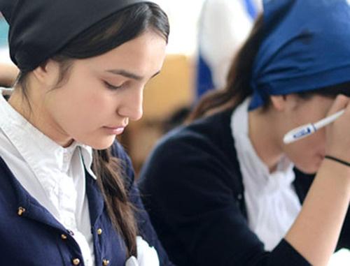 Экзамен в одной из школ Чечни. Фото http://chechnyatoday.com/