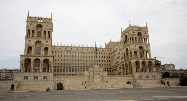Баку, Дом правительства. Фото: Nick Taylor, www.flickr.com/photos/indigoprime/2429843671, Attribution 2.0 Generic (CC BY 2.0)
