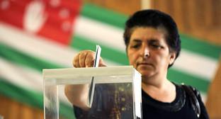 Выборы президента Абхазии в 2011 году. http://www.ekhokavkaza.com/content/article/24309448.html