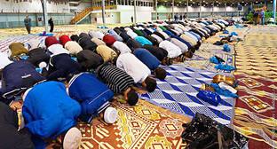 Соборная мечеть в Выползовом переулке, Москва. Фото Ильи Варламова. http://ukrlife.net/musulmanskiy-prazdnik-uraza-bayram-v-moskve-40-foto/