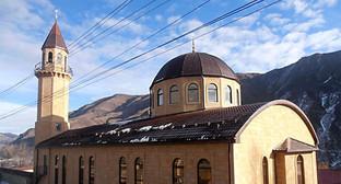 Крупнейшая в нагорной части Северного Кавказа мечеть им. Шейха Шуайба Афанди. Фото: http://www.islamdag.ru/news/11179