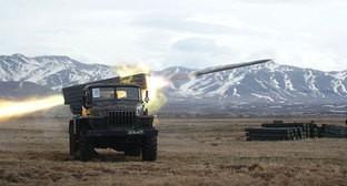 Тренировка артиллеристов 102 военной базы на полигоне Алагяз. Армения, апрель 2014 г. Фото пресс-службы Южного военного округа, function.mil.ru/news_page/world/more.htm?id=11714937@egNews&_print=true