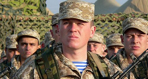 Построение военнослужащих. Фото: http://recrut.mil.ru/career/soldiering.htm