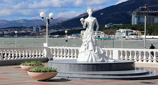 Набережная Геленджика, Краснодарский край. Фото: http://www.gelendzhik.org/city/photogallery/?PAGEN_1=5