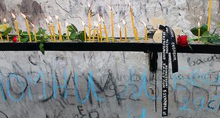 """Траурная лента на мемориале памяти жертв трагедии. Беслан, 1 сентября 2014. Фото Эммы Марзоеовой для """"Кавказского узла"""""""