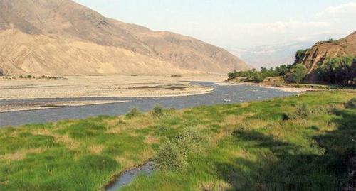 Река Самур. Фото: Picasaweb, http://www.interpretermag.com/water-dispute-between-azerbaijan-and-daghestan-taking-on-ethnic-dimension/