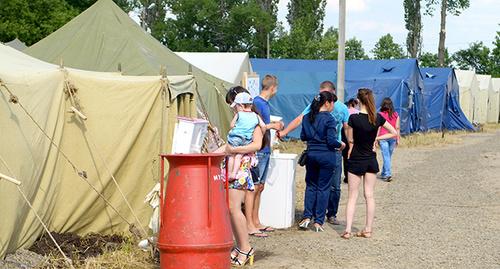 Лагерь беженцев с Украины в Гуково. Июль 2014 г. Фото Олега Пчелова для «Кавказского узла»