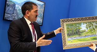 Юнус-Бек Евкуров на XIII Международном инвестиционном форуме. Фото: http://www.ingushetia.ru/photo/archives/021381.shtml