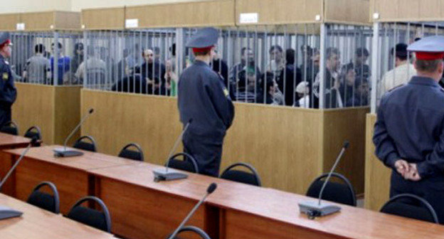 Судебное заседание по делу о нападении на Нальчик. Март 2009 г. Фото http://www.doshdu.ru/