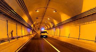 Гимринский тоннель. Фото: АбуУбайда, https://ru.wikipedia.org/wiki/%C3%E8%EC%F0%E8%ED%F1%EA%E8%E9_%E0%E2%F2%EE%E4%EE%F0%EE%E6%ED%FB%E9_%F2%EE%ED%ED%E5%EB%FC#mediaviewer/File:Gimry_tunnel_(%D0%A3%D0%BF%D1%80%D0%B0%D0%B2%D0%BB%D0%B5%D0%BD%D0%B8%D0%B5).jpg