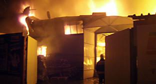 Пожар на складе в г. Ростов-на-Дону. Фото: http://www.61.mchs.gov.ru/operationalpage/emergency/detail.php?ID=28011
