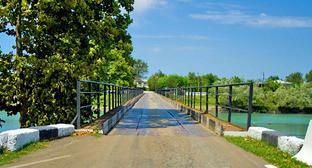 Мост через реку Ингури. Фото https://ru.wikipedia.org