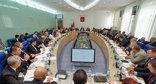 Заседание регионального парламента под председательством Николая Семисотова, 16 октября 2014 года. Фото: http://volgoduma.ru/informacziya-press-sluzhby/news/13926-besplatnaya-yuridicheskaya-pomoshh-kategorii-rasshireny.html
