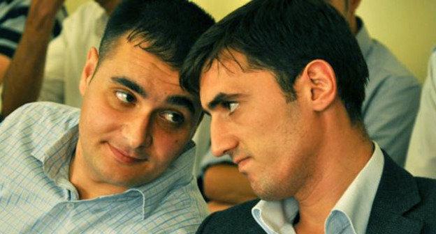 Турал Аббаслы (справа) и Ахад Мамедли. Фото: IRFS  http://www.radioazadlyg.org/content/article/25073259.html