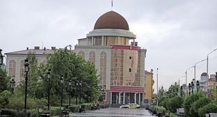 """Здание Верховного суда Чечни. Грозный. Фото Магомеда Магомедова для """"Кавказского узла"""""""