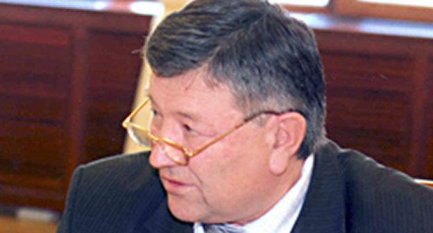 Ануар Чеченов. Фото: http://www.pravitelstvokbr.ru/k-br%5Ckbr-main.nsf/html/ZAMESTITELPREDSEDATELYAPRAVITELSTVAKBR%96CHECHENOVANUARAHMATOVICH