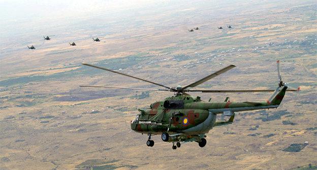 Полёт вертолёта ВС Армении. Фото: http://www.mil.am/1295276098/page/2