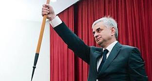 Инаугурация Президента Республики Абхазия Р.Д. Хаджимба. Фото: http://www.abkhaziagov.org/sites/default/files/styles/logobig/public/photogallery/33.jpg?itok=PFr3wYWZ
