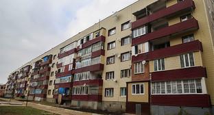 Жилой дом в Малгобеке, Ингушетия. Фото: http://www.ingushetia.ru/photo/archives/021642.shtml