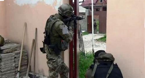 Спецоперация. Фото: http://nac.gov.ru/nakmessage/2014/05/07/v-dagestanskom-poselke-semender-v-khode-kto-neitralizovany-chetvero-banditov.html
