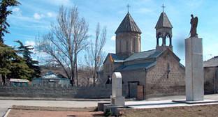 Памятник жертвам грузино-осетинского конфликта (1991—1992) в 2003 году. Фото: https://ru.wikipedia.org/wiki/%D6%F5%E8%ED%E2%E0%EB#mediaviewer/File:Pmt.jpg