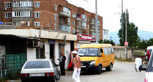 Маршрутное такси на улицах Махачкалы. Дагестан. Фото: Магомед Магомедов (Юсупов) http://www.odnoselchane.ru/