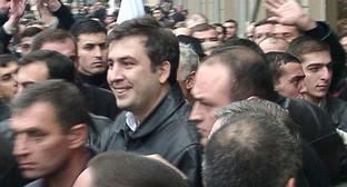 Михаил Саакашвили (в центре). Фото: Zaraza - Zaraza https://ru.wikipedia.org